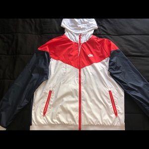 Men's Nike Windrunner hooded jacket, Size L
